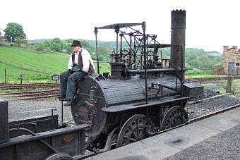 Beamish Museum niedaleko Newcastle - starodawny pociąg ciuchcia Anglia Wielka Brytania