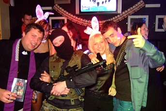 Halloween Party in The Globe - part 2